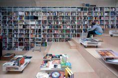 Çoğul Kitabevi - Bratislava, Slovakya