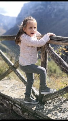 We have fallen in love ! Kids Boots, Falling In Love, Designer Shoes, Baby Shoes, Lifestyle, Kid Shoes