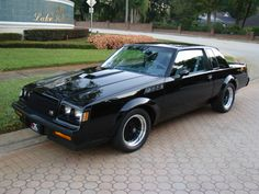 1987 Buick GNX is a rare Buick GNX. One of only 547 limited production cars. Buick only produced the GNX for the final year of the Grand National model. This car was sold new i… My Dream Car, Dream Cars, Buick Grand National Gnx, Buick Gsx, National Car, Buick Cars, Gm Car, Buick Regal, Performance Cars