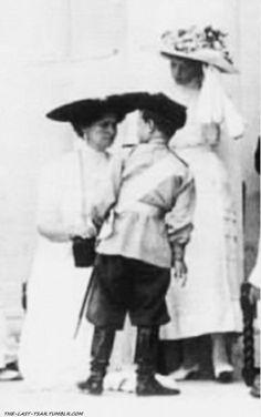 Tsarina Alexandra with Tsarevich Alexei and Grand Duchess Tatiana.