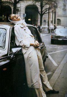 """80s-90s-supermodels:""""La Seductrice en Blanc Absolument"""", ELLE France, March 1989Photographer: Pamela HansonModel: Michaela Bercu"""