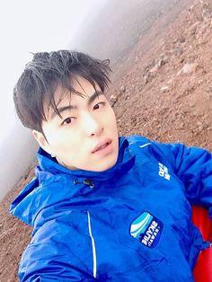 Se ele soubesse como me afeta... Nunca mais olhava na minha cara skssk Ikon Member, Winner Ikon, Koo Jun Hoe, Ikon Kpop, Ikon Wallpaper, Hip Pop, Kim Hanbin, Korean Star