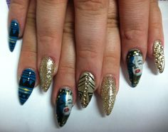 Marilyn Monroe stiletto nails