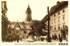 Primaciálne námestie so starou radnicou v roku 1926