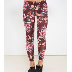•NWT BLUSHING FLORAL PRINT ANKLE LEGGINGS •NWT BLUSHING FLORAL PRINT ANKLE LEGGINGS. SIZE MEDIUM. BRAND NEW Wet Seal Pants Leggings