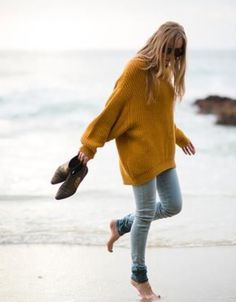 Slouchy sweater & skinnies perfect for a trip to the Northern CA coast. Friday Favorites / Two Plus Luna