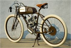 Derringer Cycles are an homage to the most exciting period in the history of motorsport worldwide. The Derringer was created by world-renowned industrial designer Adrian Van Anz. The Cycle has a Honda built overhead valve 4-stroke engine displacing 4