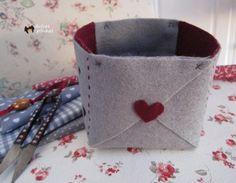 Hacer cestos con tela de fieltro es facilísimo y, además, es una manualidad muy práctica. ¿Lo probamos?