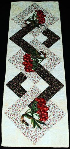 like the interlocking squares ****Advanced Embroidery Designs. Free Projects and Ideas. Quilted table runner with mountain ash berry embroidery. Quilting Projects, Quilting Designs, Machine Embroidery Designs, Sewing Projects, Embroidery Patterns, Embroidery Thread, Table Runner And Placemats, Table Runner Pattern, Quilted Table Runners Christmas