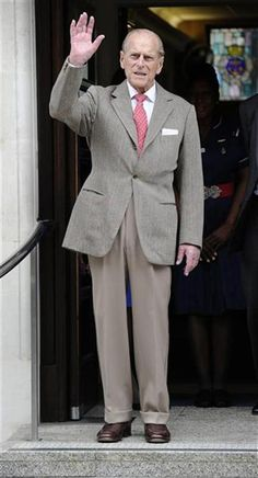 Prince Philip leaving hospital, just in time for his birthday Princess Elizabeth, Queen Elizabeth Ii, Prince Philippe, Queen And Prince Phillip, Royal Uk, Duchess Of York, Isabel Ii, Her Majesty The Queen, Queen Elizabeth