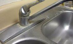 Last van kalkaanslag op je wasbak en kranen? Met deze 1 ingrediënt oplossing zijn ze zo weer als NIEUW!