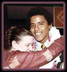 "Young Barack Obama with his Grandma Madelyn Dunham. About his Grandma, Barack Obama said, ""She poured everything she had into me. Michelle Obama, Mr Obama, Barack Obama Family, Obamas Family, First Black President, Mr President, Black Presidents, American Presidents, Laetitia Casta"