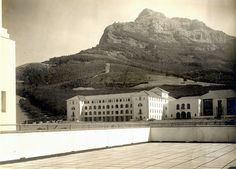 Groote Schuur Hospital, During Construction Old Photos, Vintage Photos, Mountain Pass, Lest We Forget, Antique Maps, Cape Town, Historical Photos, Live, South Africa