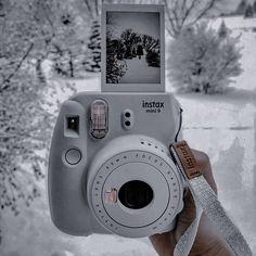 Polaroid Camera Pictures, Polaroid Camera Instax, Instax Film, Tattoo Film, Fuji Camera, Fujifilm Instax Mini, Fuji Instax, Belle Photo, Aesthetics