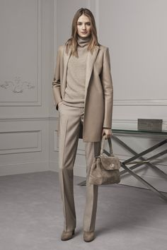 The complete Ralph Lauren Pre-Fall 2016 fashion show now on Vogue Runway. Fall Fashion 2016, Fashion Week, New York Fashion, Winter Fashion, Fashion Show, Fashion Trends, Fashion Fashion, Ladies Fashion, Fashion Beauty