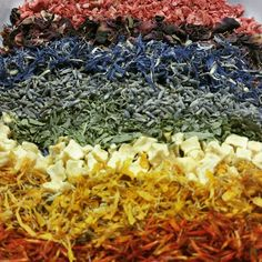 April showers might bring May flowers, but they also bring Adagio Rainbows! #adagioteas #rainbow #spring