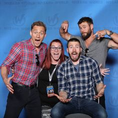 Hiddles, Evans and Hemsworth with a fan at Wizard World Philadelphia