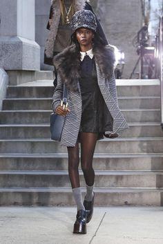 Marc Jacobs Ready To Wear Fall Winter 2017 New York: http://nwf.sh/1Ub7kFN #MarcJacobs #FW17 #RTW #NYFW