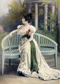 Jacques Doucet - Robe d'Après Midi - Mlle Suzanne Avril - 1902