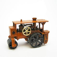 Design Toscano Steam Roller Replica Cast Iron Farm Toy Tractor, Other Cast Iron, It Cast, Roller, Farm Toys, Vintage Tractors, Crackle Glass, Construction, Old Toys, Decorative Objects