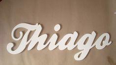 Nome em MDF-letra cursiva pintado de branco com 20 cms de comprimento.