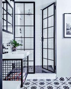 Black framed glass shower doors? Yes please!