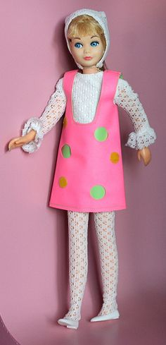 Skipper, from fashiondollcollector on flickr ~ I <3 her mod fashions!