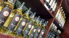Você pensa que Bento Gonçalves só produz Vinho? Além de passear pelas vinícolas, pode-se também conhecer a Casa Bucco, uma cachaçaria familiar cuja origem são imigrantes de Udne, norte da Itália, onde eram produtores de grappa (destilado de uva). A produção é orgânica e as excelentes cachaças são feitas... (continue lendo em: http://pedeviagem.com.br/cachacaria-casa-bucco-bento-goncalvesrs/)    #bentogonçalves #brasil #riograndedosul #serragaúcha #viagem