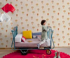 how cool is this kid's daybed - love the color too!  / Colecciones Coordonné