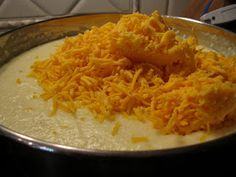 The Loco Diner: Pioneer Woman's Cheese Grits - Vegetable Recipes Breakfast Dishes, Breakfast Time, Breakfast Recipes, Breakfast Casserole, Breakfast Ideas, Pioneer Woman Recipes, Pioneer Women, Food Network Recipes, Cooking Recipes