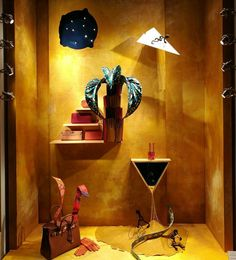 2/4 #hermes #hermesitalie #hermeswindows #windowdisplay #milan #montenapoleone #newproject #out #petitmondesvivant