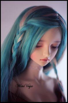 Je continue mes expériences alpaguesques, et c'est Ellorâ qui a eu droit à une nouvelle wig ^^