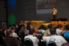 Palestra de Juliano Mendes no 14º Encontro Nacional da Câmara de Dirigentes Lojistas Jovem.