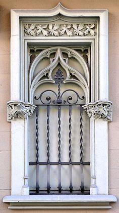 Casa Francesc Pastor i Pellicer.    Architect: Enric Sagnier i Villavecchia.  Barcelona - Provença
