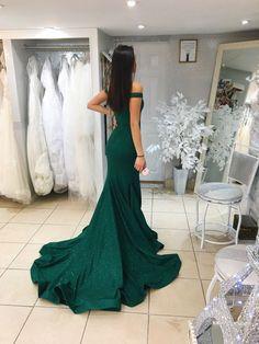 Off the shoulder green Jovani Prom dress Graduation Dresses Long, Homecoming Dresses, Prom Dresses Jovani, Bridal Dresses, Sexy Evening Dress, Evening Dresses, Next Dresses, Formal Dresses, Military Ball Dresses