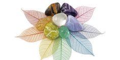 Os cristais afetam sutilmente todos os níveis do nosso ser e o espaço em que vivemos. O cristal comunica em primeiro lugar que ele é um instrumento eficiente para aumentar a energia para a cura e o crescimento espiritual. Cada pequena pedra...