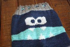 Monster Bum pants! Knit longies free pattern & review! #knitting #monsterbum