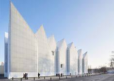 ✶The Szczecin Philharmonic Hall in POLAND by Spanish studio Barozzi Veiga has won the European Union's architecture prize, the Mies van der Rohe Award 2015. The concert hall, which features a zigzagging roof profile and a translucent ribbed-glass facade, saw off competition from O'Donnell + Tuomey's red brick student centre for the London School of Economics and BIG's Danish Maritime Museum in Helsingør to win the €60,000 (£45,000) prize. ✶