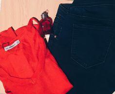 Getting ready for the week...     #ファッション #spain #vsco #blog #murcia #fashion #女の子 #blogger  #girl #ootd #look #instablogger #outfit #lotd #inspo #flatlay#jeans#red#colors #spanishblogger #bloggerssinfronteras #zara