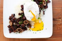 Bringing sisig-log to the mouths of Americans... by Chef William Pilz of food truck  Hapa SF. Looks good! #food #sisig #pinoy
