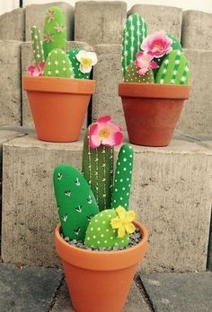 Fascinating DIY tips for creating garden art decor that you dream of . , Fascinating DIY tips for creating garden art decor that you dream of - Healthy Skin Care Fascinating DIY tips for creating garden ar. Cactus Rock, Stone Cactus, Painted Rock Cactus, Painted Rocks, Cactus Cactus, Indoor Cactus, Painted Garden Rocks, Cactus Gifts, Cactus Flower