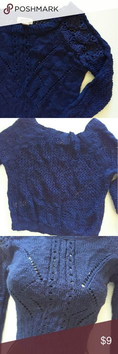 Arizona Blue open knit cropped top 17 inches from shoulder to bottom of shirt Arizona Jean Company Tops Crop Tops