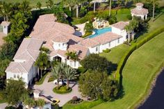 Venus and Serena Williams' Mansion, but where is the tennis court?
