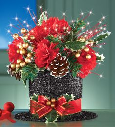 Top Hat Christmas Floral Centerpiece - Here's a magnificent way to decorate your… Christmas Party Hats, Christmas Tops, Christmas Design, Christmas Projects, All Things Christmas, Christmas Wreaths, Christmas Decorations, Christmas Ideas, Xmas