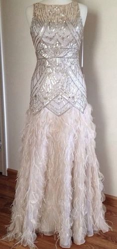 If we have a Roarin' prom. Sue Wong Gatsby Feather Gown Dress Pageant Wedding Prom Champagne Silver 8 New Ball Gown Dresses, Pageant Dresses, Estilo Gatsby, Pretty Dresses, Beautiful Dresses, Feather Prom Dress, Gatsby Style, Gatsby Theme, Gatsby Party