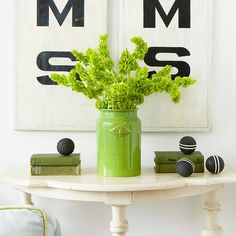 Use long stems of bells of Ireland for a simple St. Patrick's Day decoration! See more Irish-inspired decor: http://www.bhg.com/holidays/st-patricks-day/decorating/st-patricks-day-decor/?socsrc=bhgpin031313bellsofireland=12