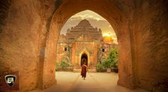 A temple at Bagan, Myanmar by EDEMIN RAMIREZ viewfinder image production on 500px Monk Budhhist temple Photography Sunset