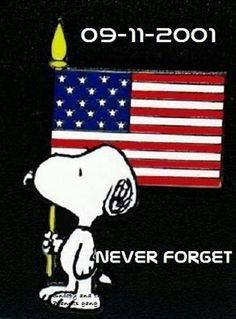 Remember the Fallen . Never Forget . Peanuts Cartoon, Peanuts Snoopy, Peanuts Movie, Peanuts Characters, Cartoon Characters, Charlie Brown Und Snoopy, Snoopy Und Woodstock, Snoopy Pictures, Snoopy Images