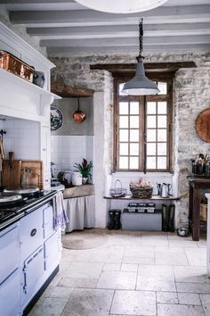 33 Amazing French Country Kitchen Design Ideas - In most countries, and particularly those with a temperate climate and definite winter, people naturally congregate in the kitchen, given the opportun. Kitchen Design Open, Country Kitchen Designs, French Country Kitchens, French Country House, French Country Decorating, Rustic Kitchen, French Farmhouse, French Cottage Decor, Kitchen Hutch