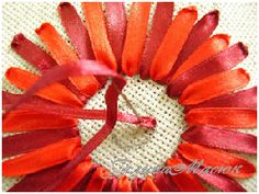 Lady Perfection. Magazine féminin. Broderie au ruban : gerbera